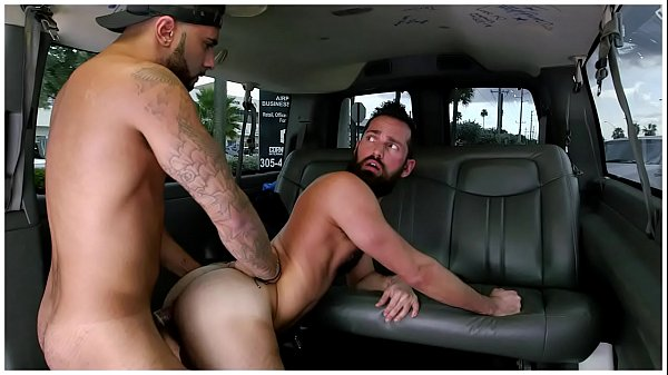 BAITBUS – Amateur Anal Gay Sex With A Man Bear in Miami!